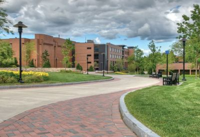 pedestrian-walkway-rochester-institute