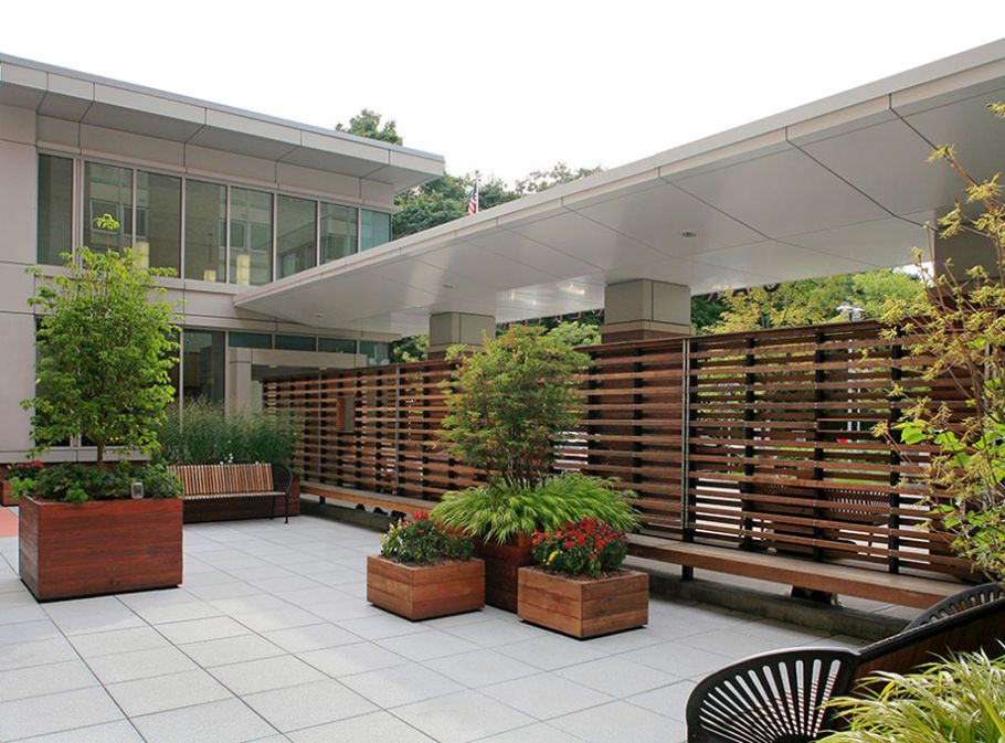 landscape-design-newton-wellesley-hospital-garden-1